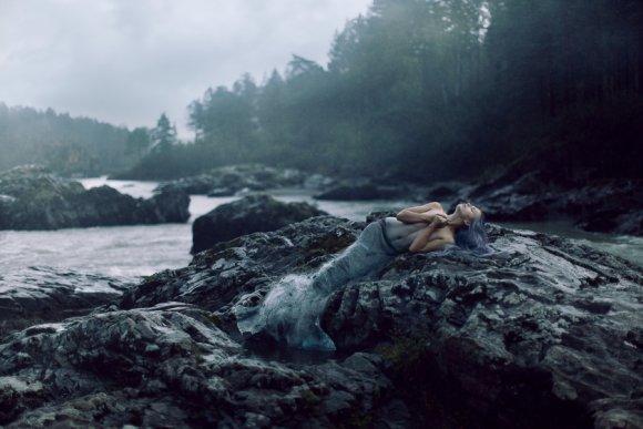 katerina plotnikova fotografia surreal mulheres natureza país das maravilhas Sereia