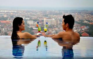 Sky Pool Bar, Fine Dining Dengan View Terbaik
