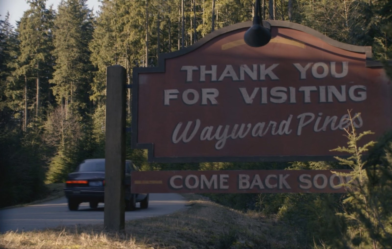 "Wayward Pines - The Friendliest Place on Earth - Advance Preview : ""Watchful Eyes"""