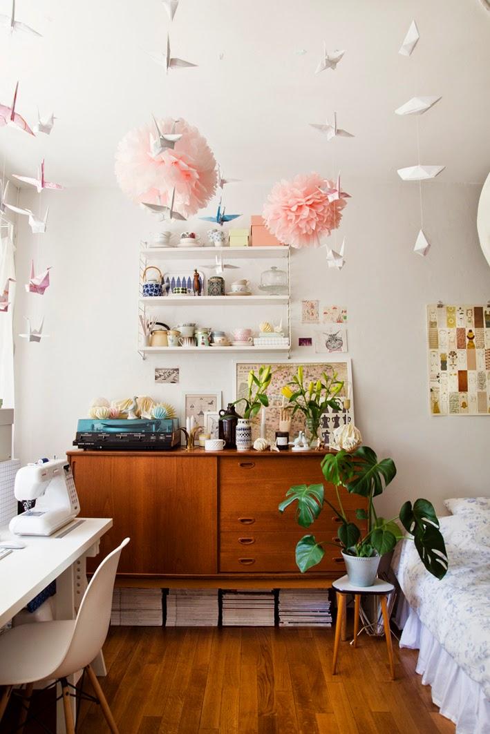 http://3.bp.blogspot.com/-6KutWcA5oqU/VPTKibKDWZI/AAAAAAAAGZk/mCjXn3Suc6c/s1600/A-peek-inside-the-home-of-designer-Lisa-Marie-Andersson-1.jpg