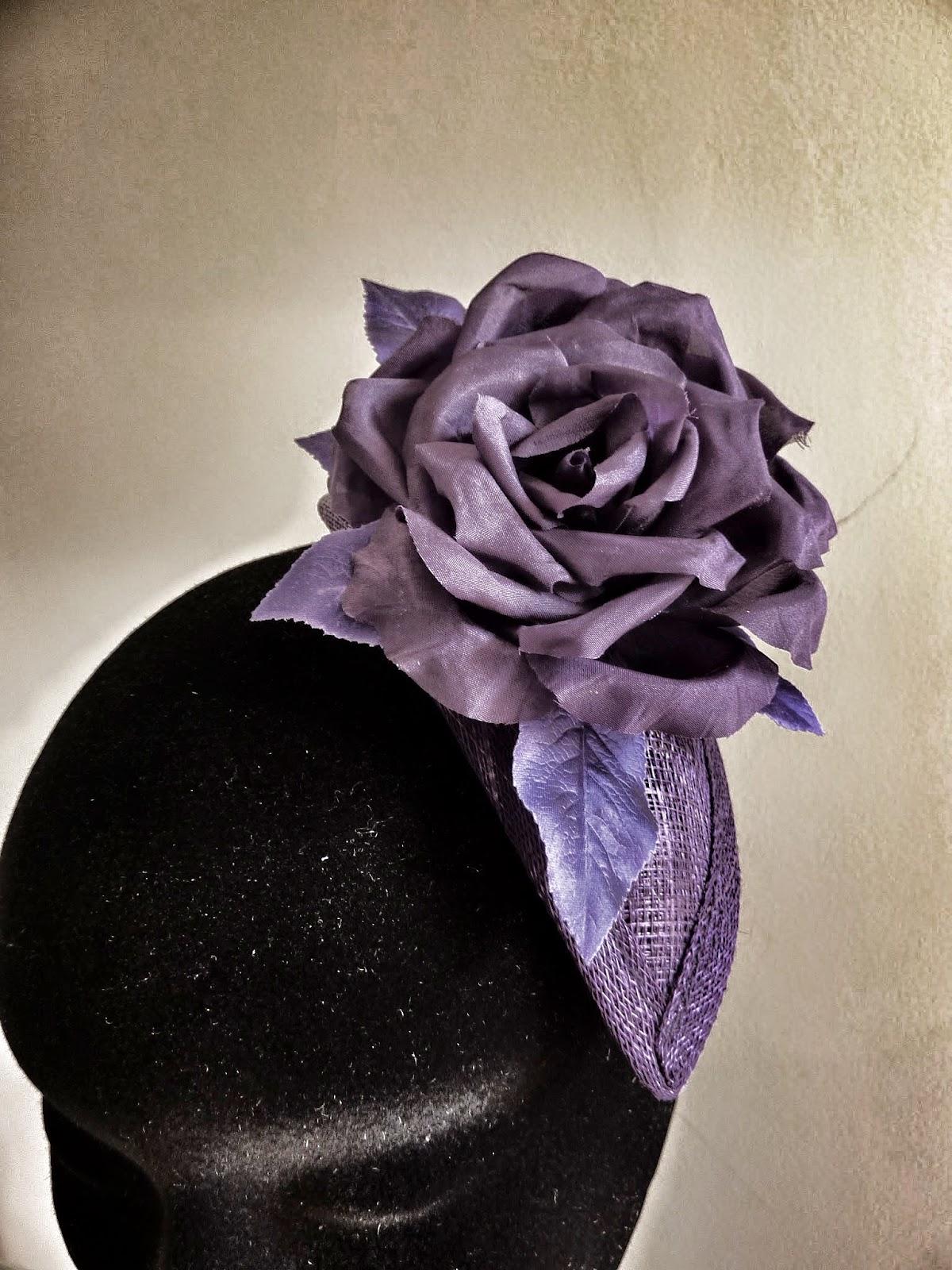 Bibi à fleur en soie, pour robe du soir sur mesure par Fée au Château