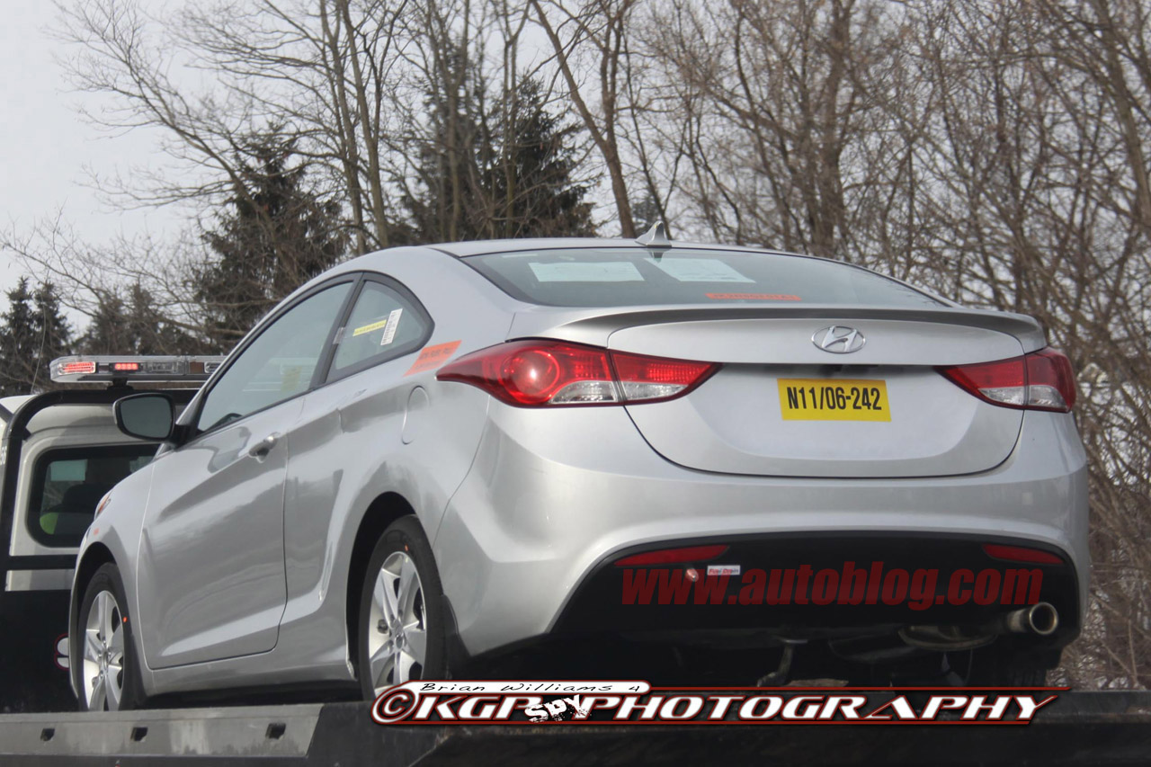 Spy Shots: 2014 Hyundai Elantra Coupe The naked before his debut in