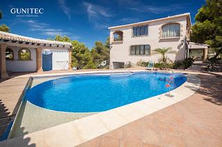 piscina con cubierta5 Piscina irregular con cubierta automática