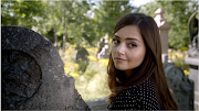 Jenna tried on loads of different outfits for this tiny moment. Pictures (clara at graveyard)