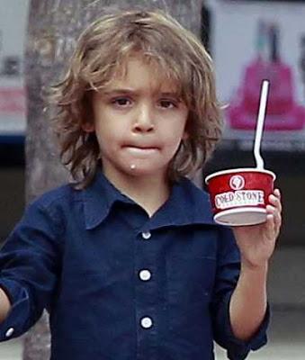 Model rambut long messy untuk anak laki-laki 2011487