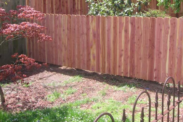 Tuinafsluitingen tuinschermen afsluitingen blog for Moderne afsluiting tuin