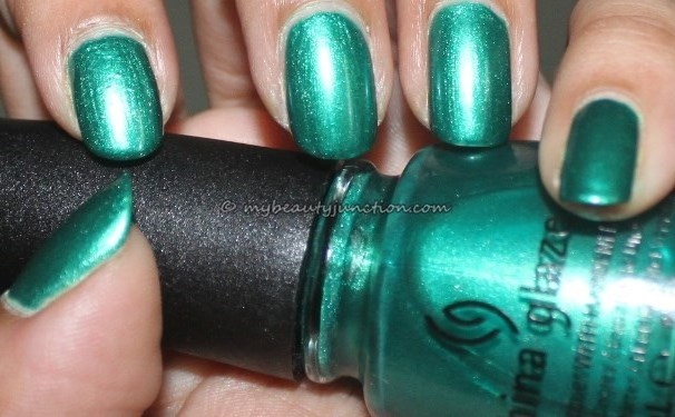 Manicure: China Glaze Outta Bounds and razor carnage
