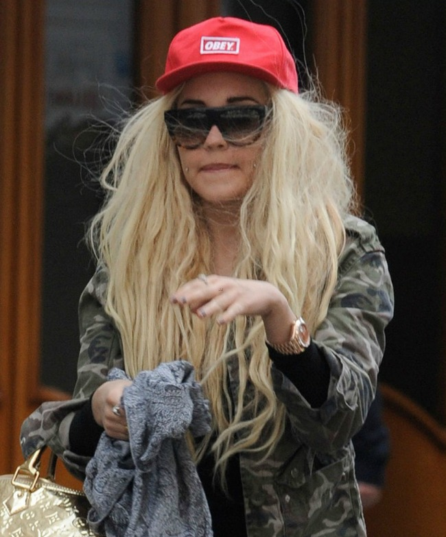 Amanda Bynes' Twitter page. I was hesitant to post this because she's ...