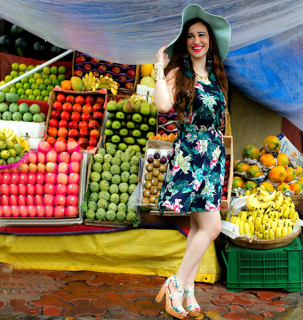 VERO MODA Floral Top, Floral Skater Skirt, Resort Wear, Sun-hat, H&M Tropical Print Block Heels, Fruit Market