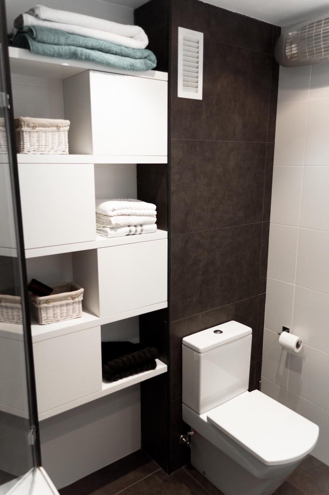 Iluminacion Baño Vintage:Otras intervenciones que se han hecho en elapartamento son el lavadero