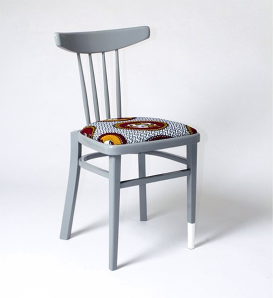 cadeira colorida, cadeira cinza, cadeira estofada, colorful furniture, Yinka Ilori, upcycling