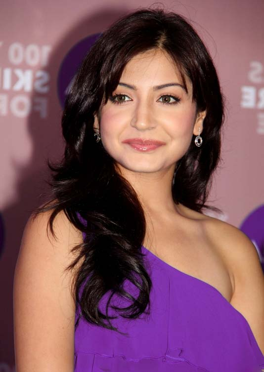 Anushka Sharma  No. Actress in MT WIKI Top 10 Bollywood Actress List, photo