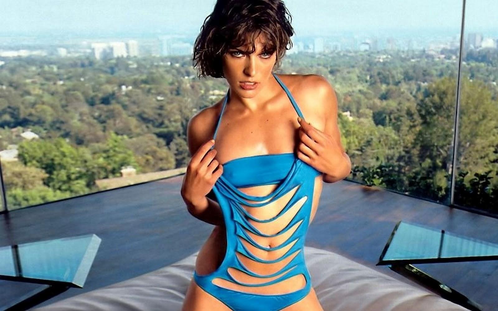 http://3.bp.blogspot.com/-6Me20XAwa8E/UB-WGTcMD2I/AAAAAAAALWg/qdBcmddhtD8/s1600/milla-jovovich-blue-bikini.jpg
