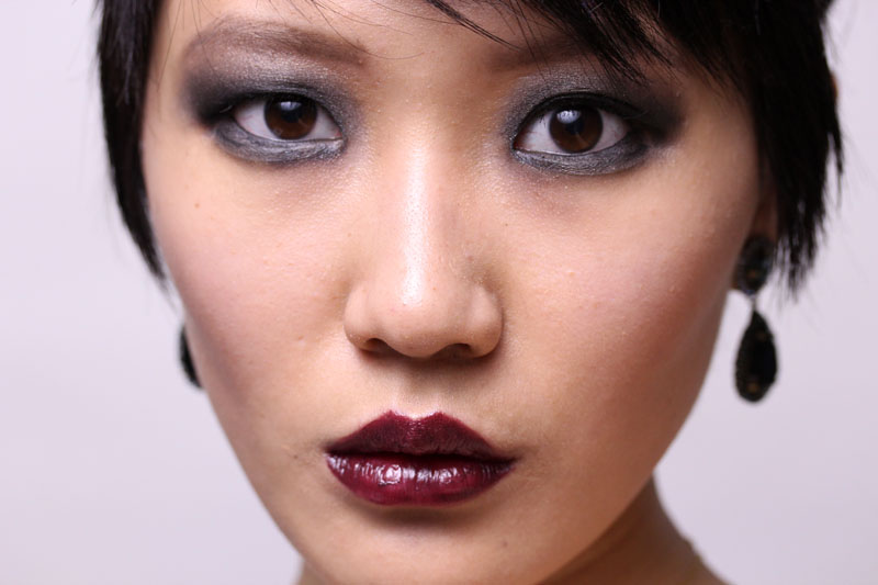 The 20s was about being over the top: huge smokey eyes, red/wine heart-shaped lips, pale but flawless skin. As usual, a complete list of what I used to ...