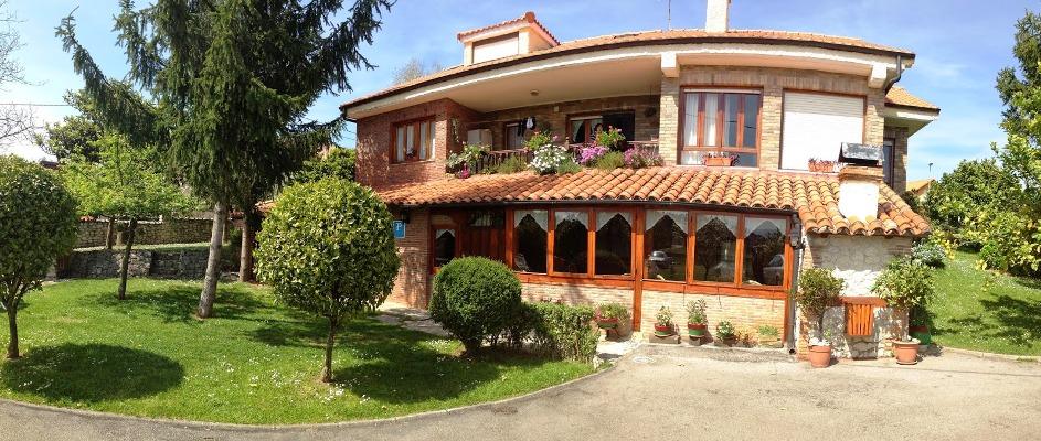 Avemar  casa rural con piscina en Santillana del Mar Cantabria