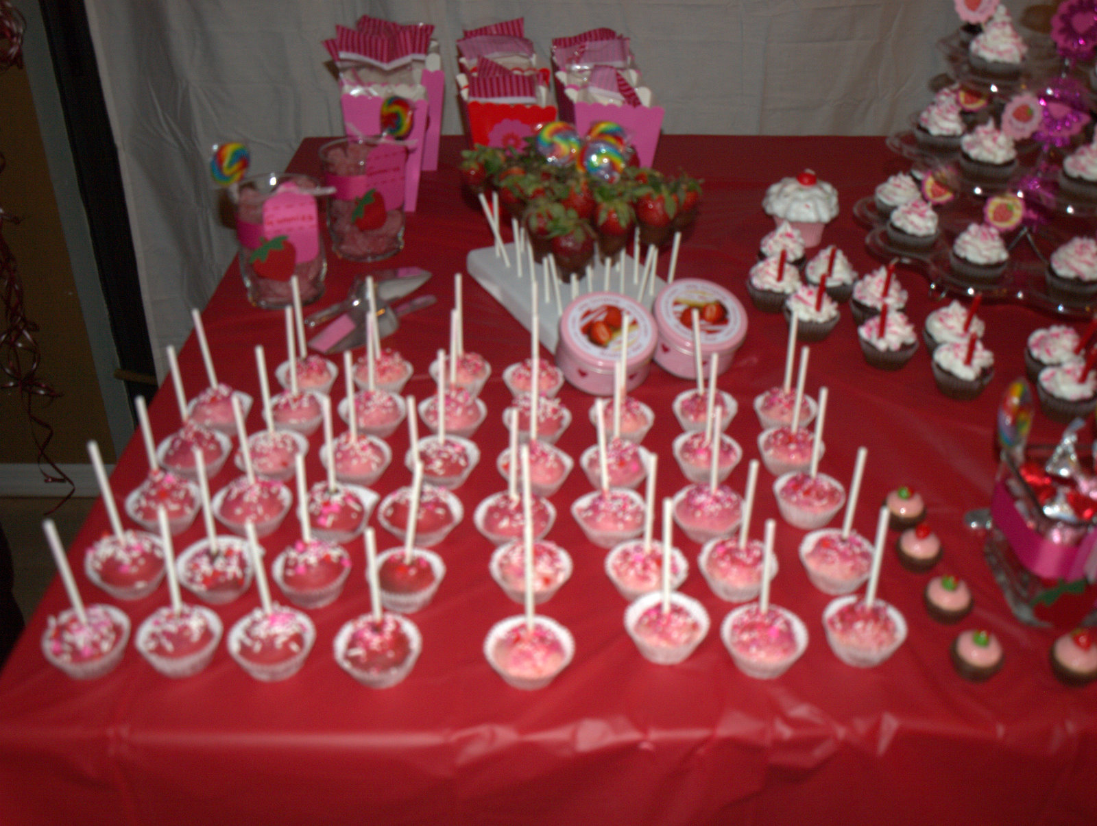Juneill 39 s parties sweets shary 39 s strawberry shortcake for 18 birthday decoration ideas