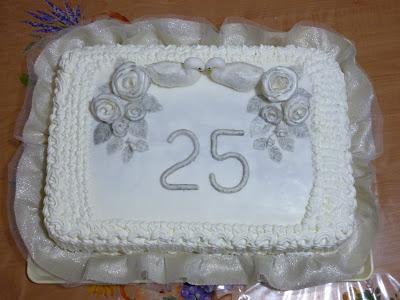 Dolci note le nozze d 39 argento di mia cugina for Decorazioni torte per 60 anni di matrimonio