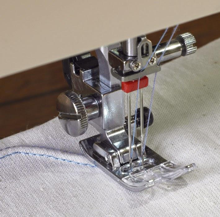 Christelle beneytout le blog ourler du jersey avec sa - Comment mettre une canette dans une machine a coudre singer ...