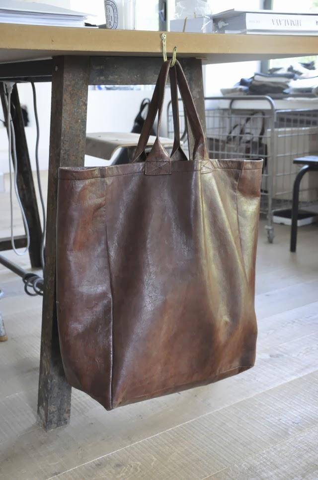 http://www.vdj-boutique.com/vdj/1110--accessoires-en-cuir.php