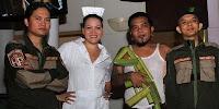 http://3.bp.blogspot.com/-6NCdRN5oHKU/Ubudb9A_nzI/AAAAAAAABNc/zYmAWgzZZGo/s320/Endank+Soekamti+feat+Melanie+Subono+-+Mantan+Jadi+Teman.jpg
