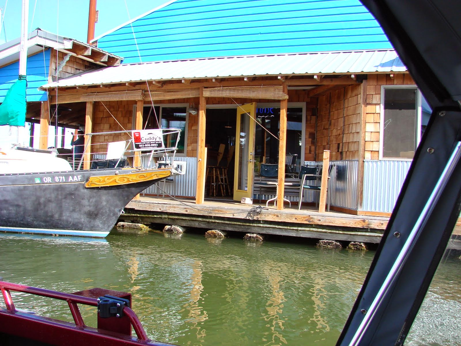 We cruised the river and had lunch here.
