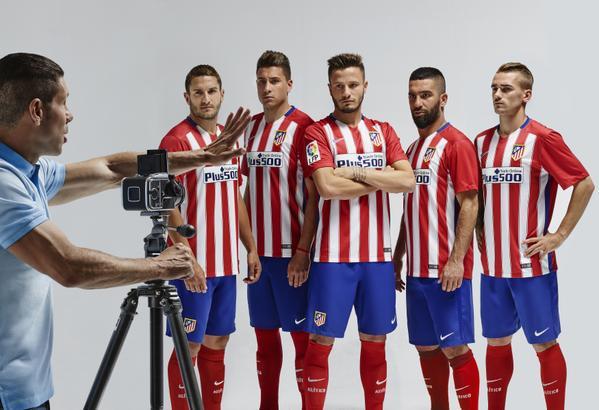 Le maillot domicile 2015-2016 de l'Atlético Madrid par Nike