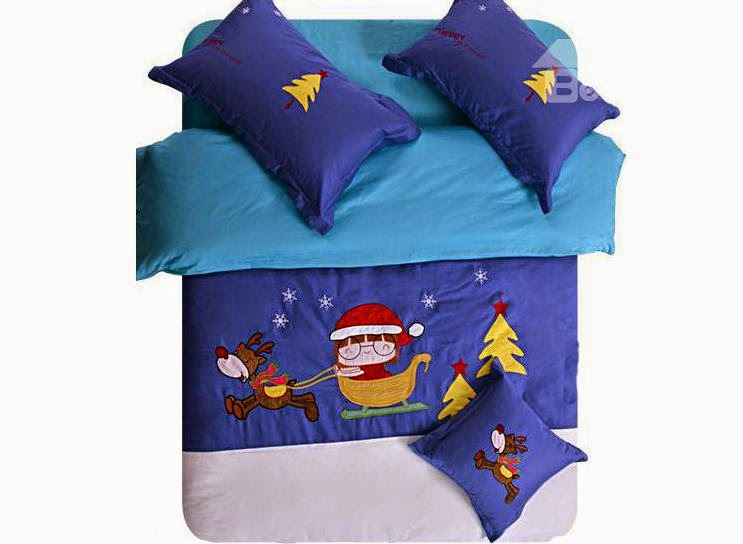 http://www.beddinginn.com/Custom-Christmas-Bedding-102603/