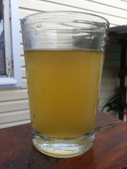 российский сухой сидр St. Anton в стакане