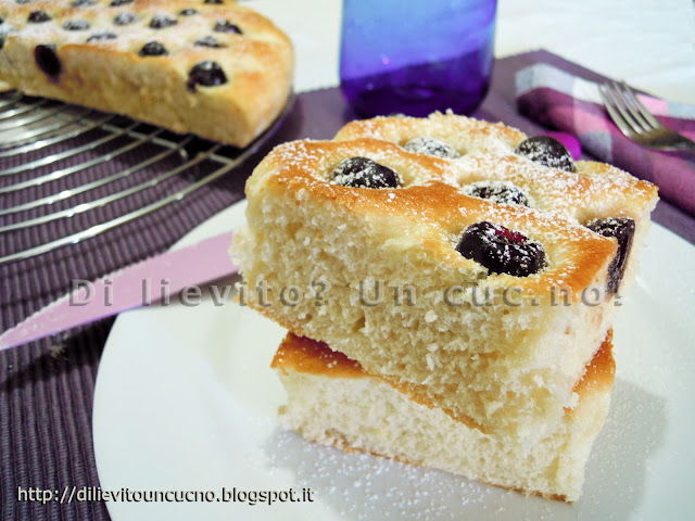 Focaccia alle amarene