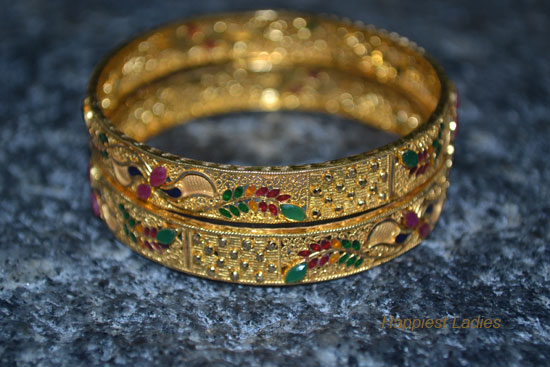 Ruby-stoned-bangle-+-Nakshatr-diamonds