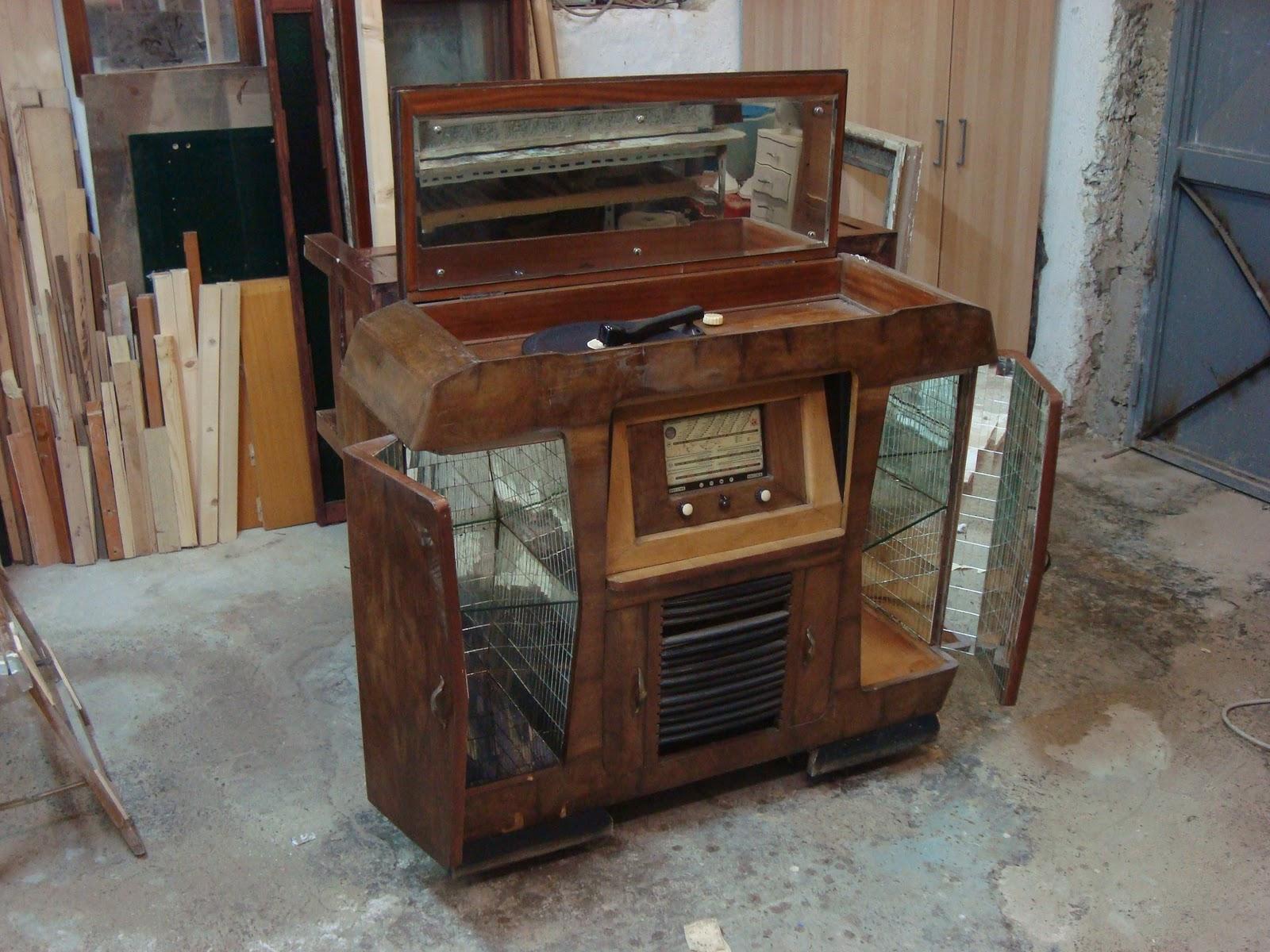 Restauri d 39 arte mobile radio bar anni 50 - Mobile bar anni 70 ...