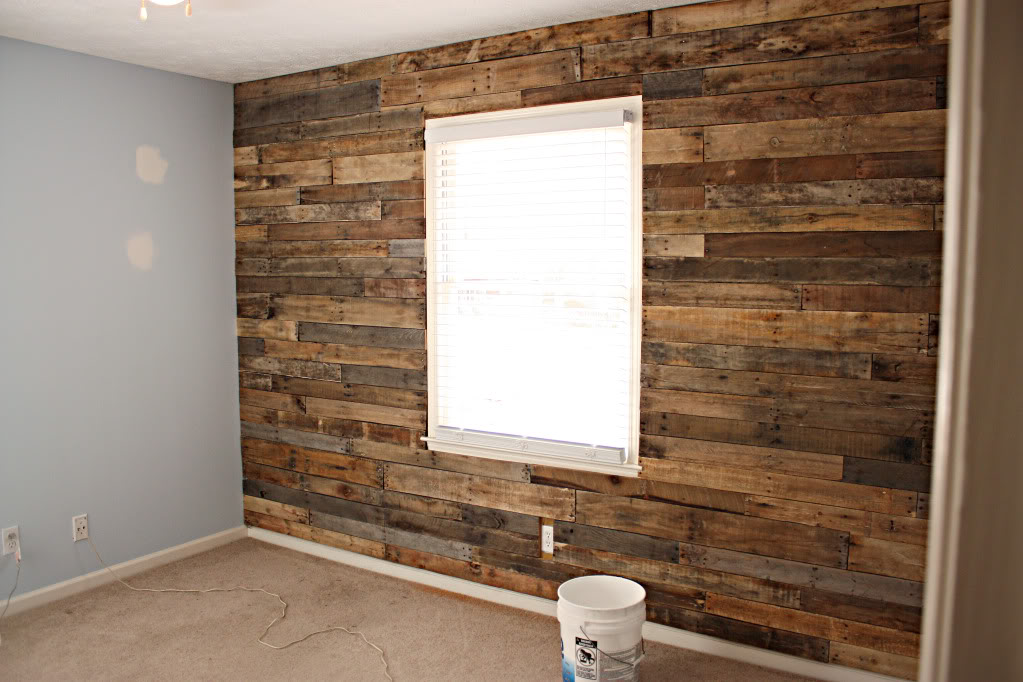 The homestead jones reclaimed wood from pallet for accent - Wooden pallet accent wall ...