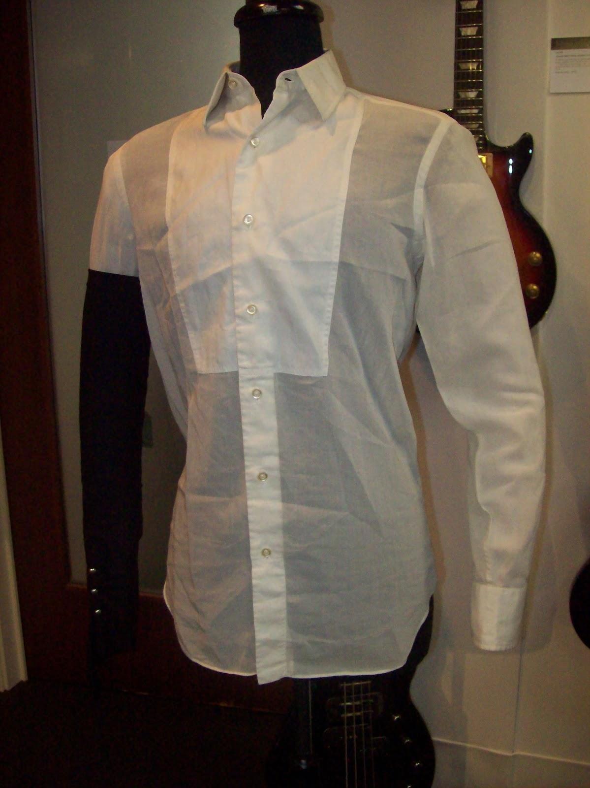 http://3.bp.blogspot.com/-6Nxv-QqSy08/UMPW5FZuuWI/AAAAAAAAB6s/PEOJY94IUS0/s1600/dd+shirt+.jpg