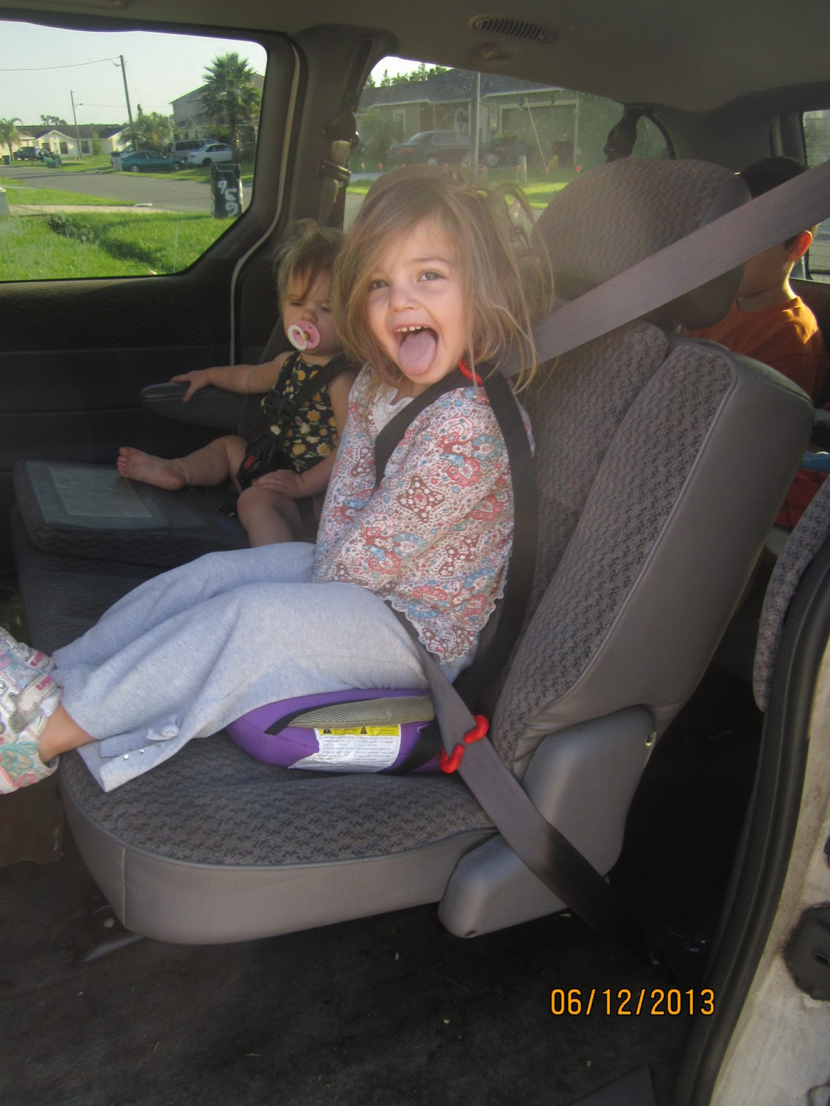 7 Kids and Us: Bubble Bum The Travel Easy Booster Seat Review and ...