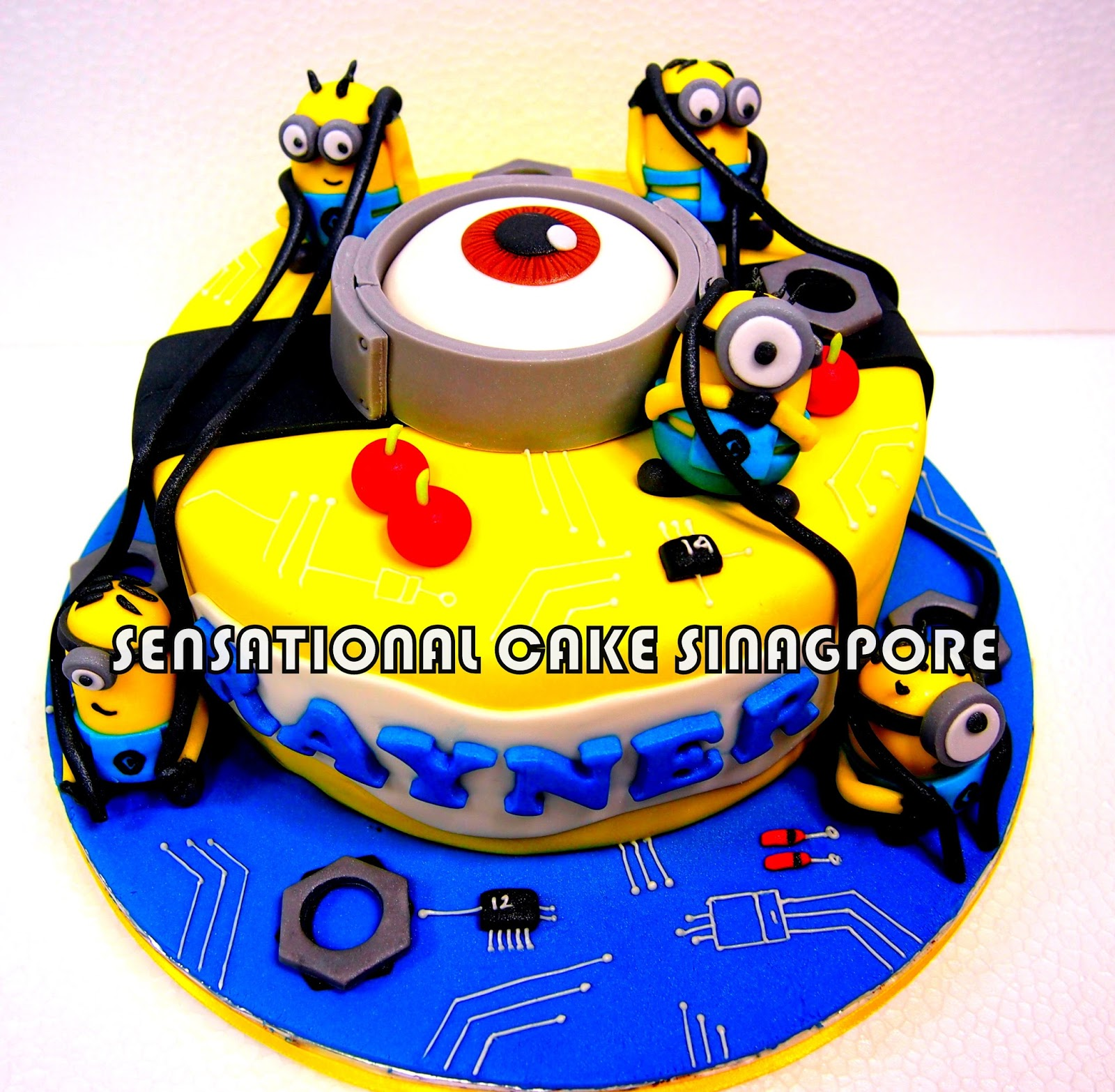 TECH SAVVY MINIONS CAKE SINGAPORE / DESPICABLE ME CAKE SINGAPORE