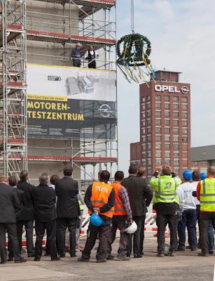 OPEL: Επταώροφο κτίριο δοκιμών και εξέλιξης για τους κινητήρες του μέλλοντος -