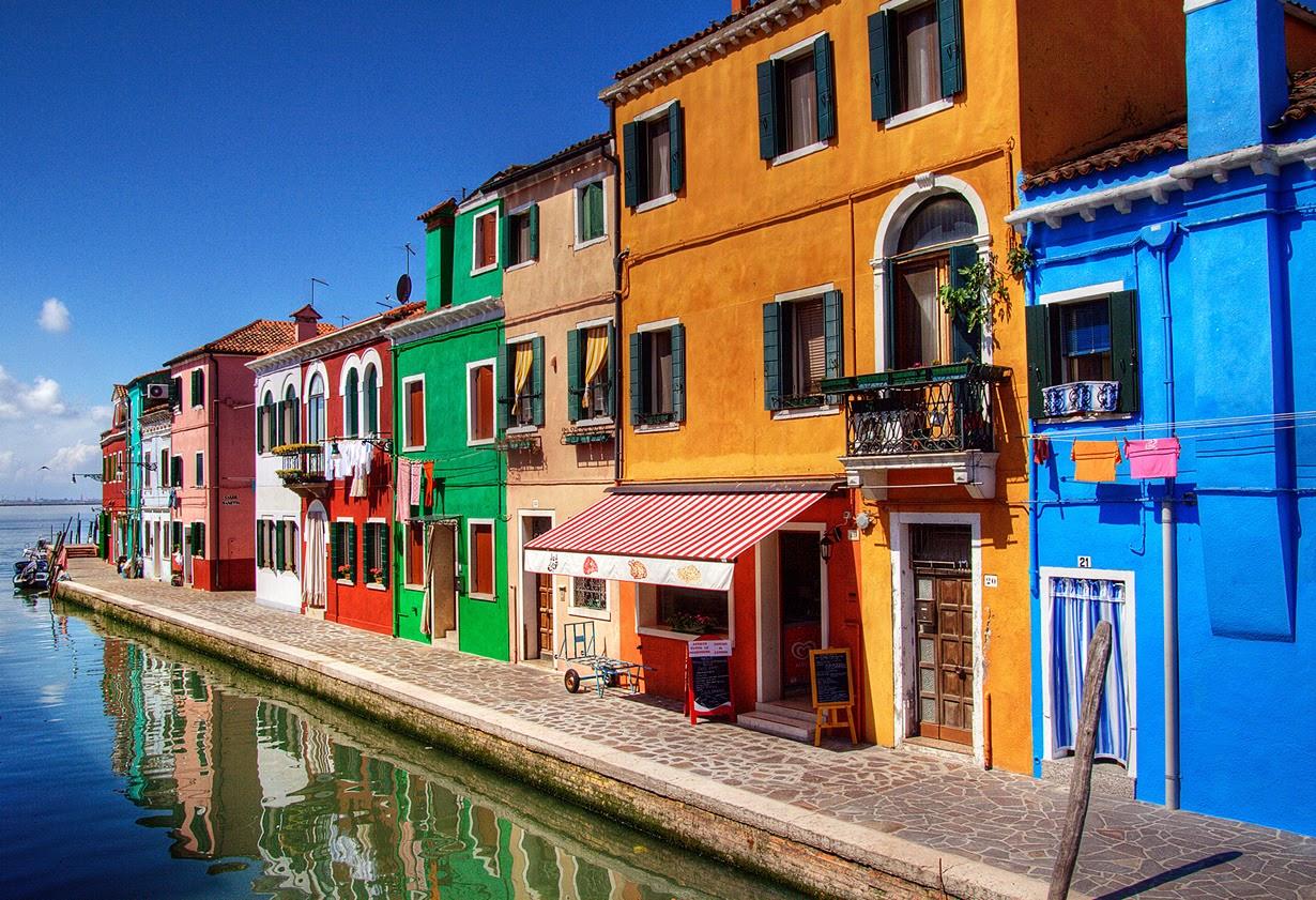 Бурано - Радужный район Венеции. Фото