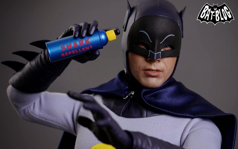 wallpaper-hot-toys-batman-adam-west-2.jp