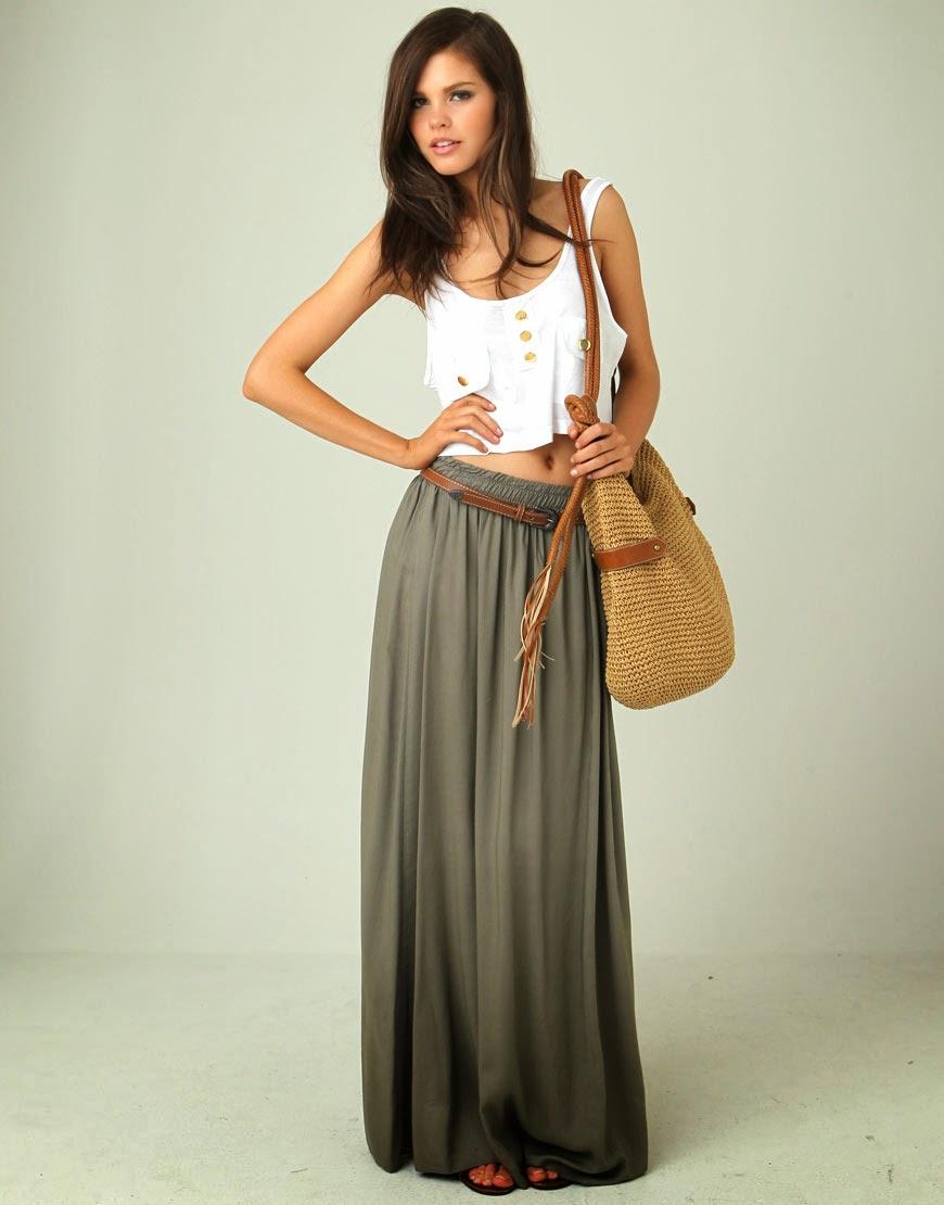 Can you wear a tank top under a maxi dress