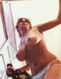 Twerking blondes - sexygirl-Uschi_Digard_C103-758064.jpg