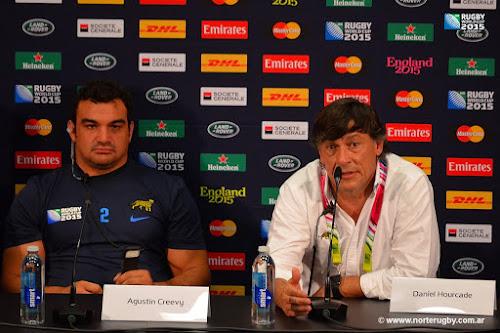Daniel Hourcade junto a Agustín Creevy RWC2015
