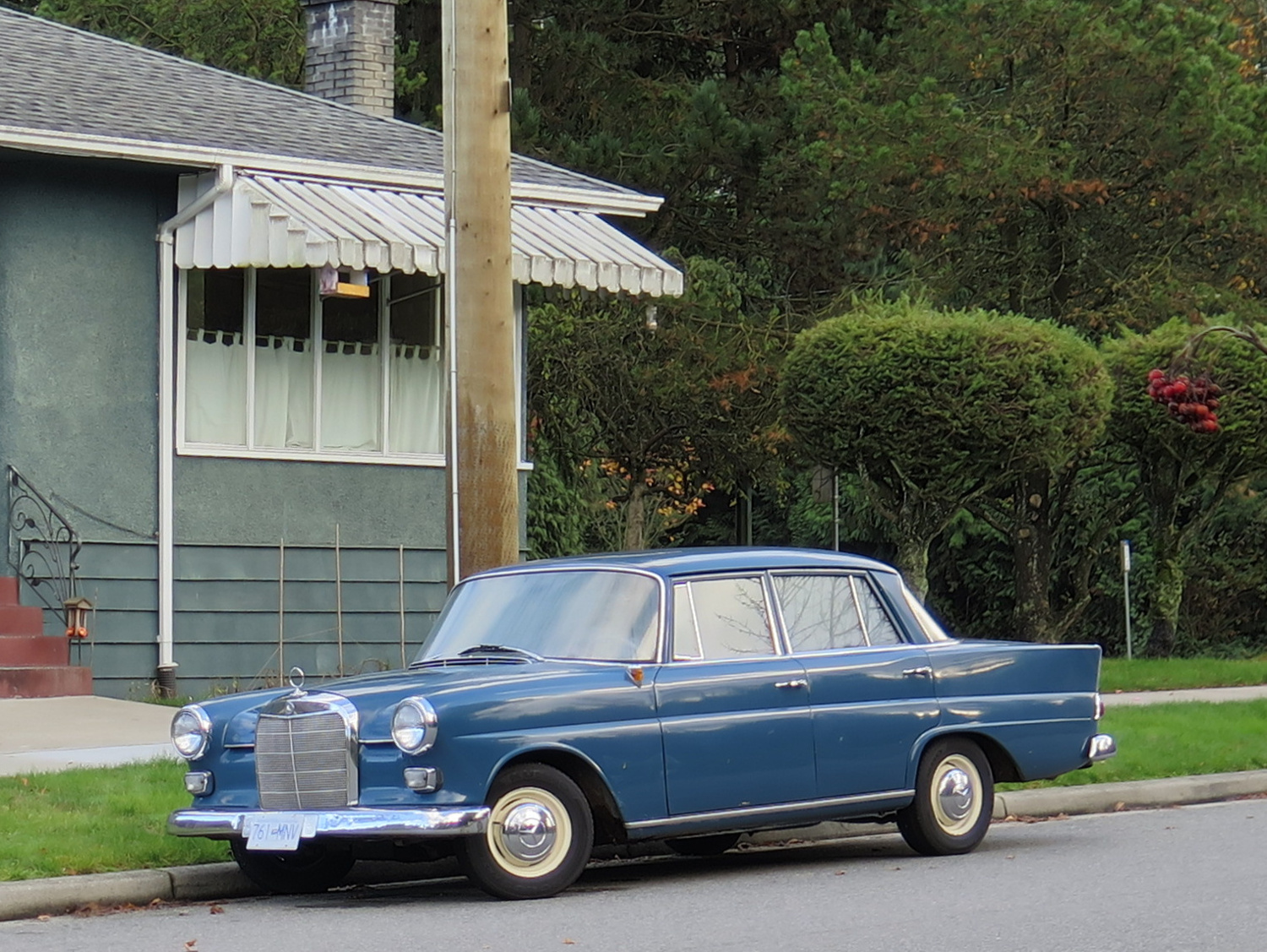 Old Parked Cars Vancouver 1963 Mercedes Benz 190d