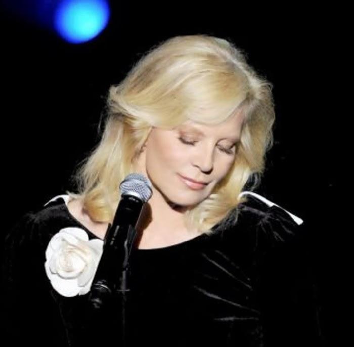 """Para mi homenaje a Sylvie Vartan, por seguir siendo """"La más bella del baile"""""""