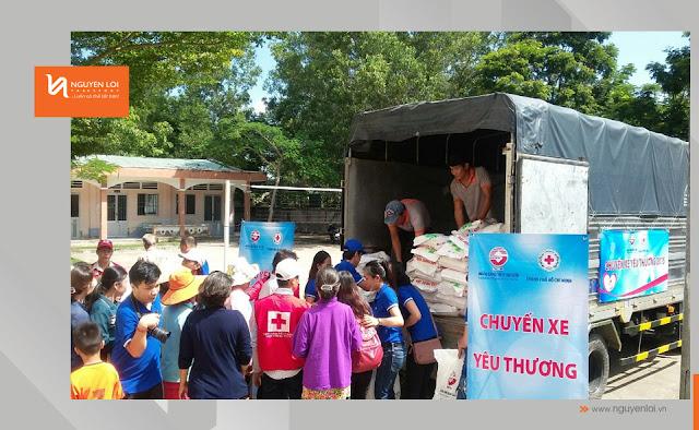 Thuê xe chở hàng từ thiện