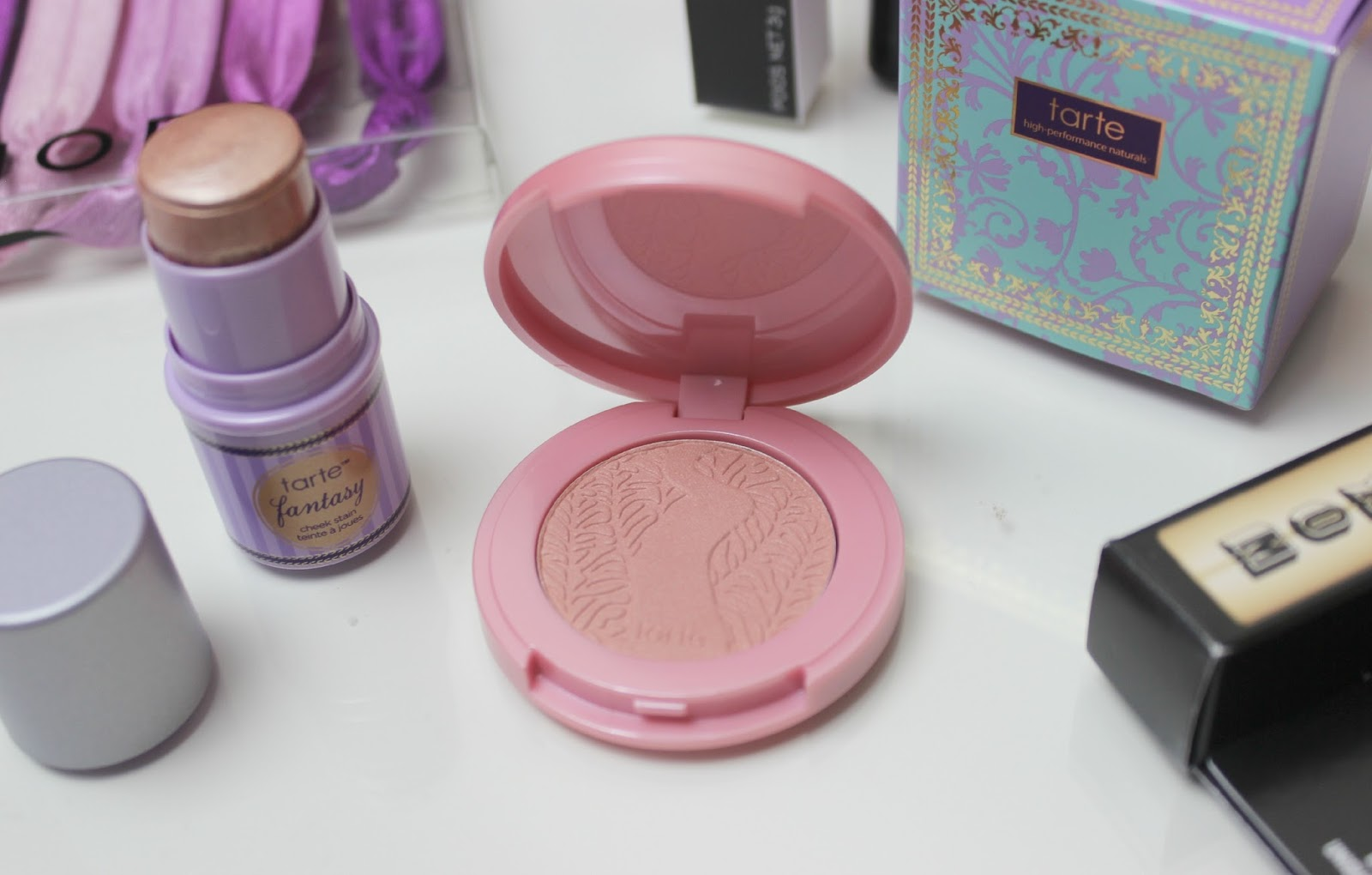 A picture of the Tarte Pigment of Imagination Deluxe Cheek Set