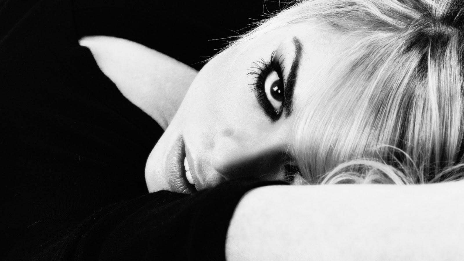 Billie Piper Close Up