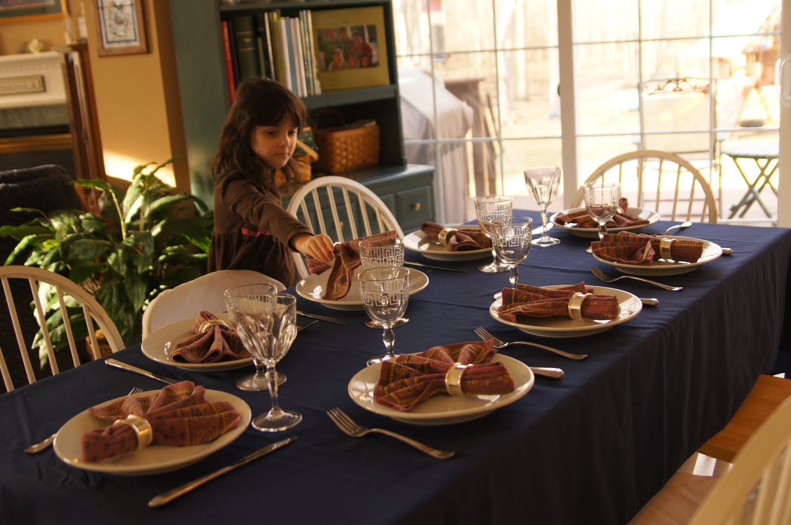 the importance of family dinners Christine carter, phd, and happiness expert shares advice for parents on the importance of having family dinners and the benefits that it can have on your family for more expert parenting advice .