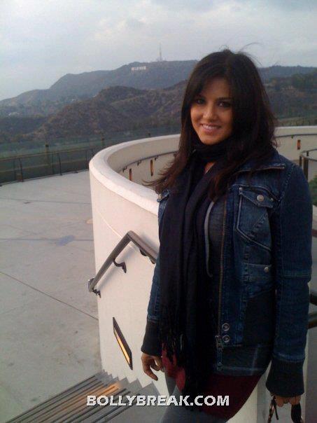 Sunny Leone in india - (3) - Sunny Leone in Real Life