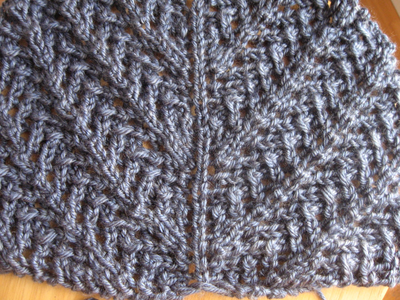 Knits By Nat: Working on the Little Arrowhead Shawl
