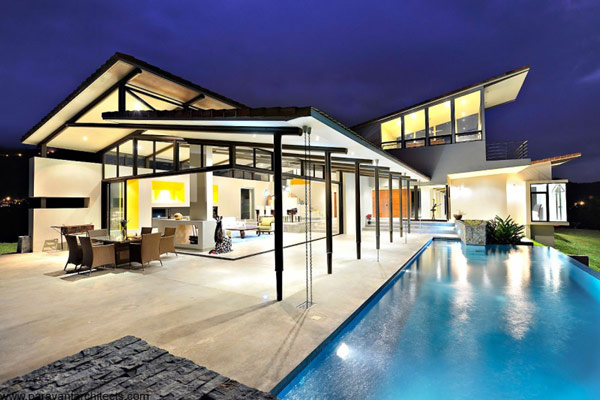 Swimming pool of luxury-vacation-home